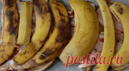 Куриная грудка, приготовленная, под банановыми шкурками восхитительна. Приготовить куриную грудку очень просто, куриное мясо готовится очень быстро. Но как... Читай дальше на сайте. Жми подробнее ➡