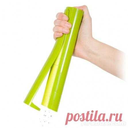 Яркий кухонный аксессуар поднимет настроение и поможет измельчить специи.