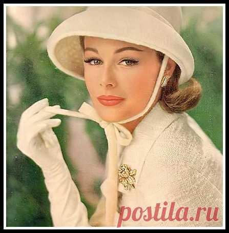 Monique Chevalier for a Revlon ad, 1962