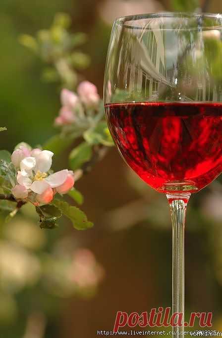 """Божественный нектар или вино """"Лепестки роз""""."""