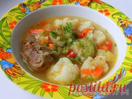 Суп с цветной капустой - 7 пошаговых фото в рецепте Суп с цветной капустой - одно из любимых горячих блюд моей любимой дочери. А в дружной компании других овощей супчик становится еще вкуснее. Блюдо можно приготовить как со свежими, так и с замороженными овощами, комбинация вкусов тоже может быть любой. Такой суп полезен и в тёплое, и в холодное ...
