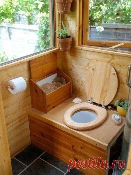 Интерьер дачного туалета!