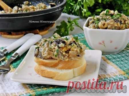 Баклажаны, тушёные со сметаной и сыром