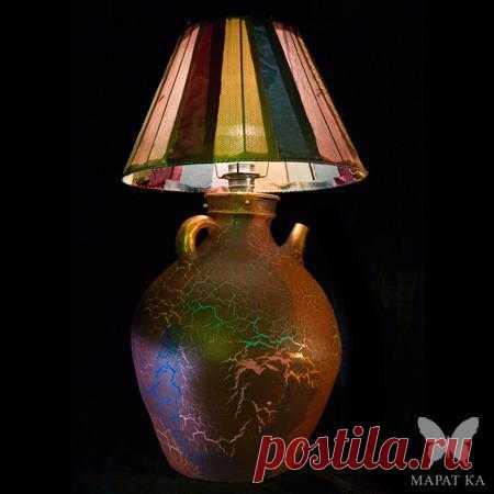 Стильный светильник-кувшин