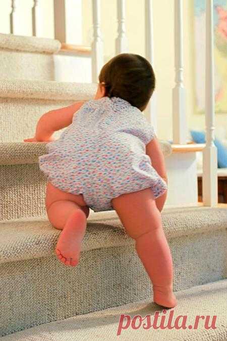 Что делать, если в одном доме живут и лестница, и ребенок? Как сделать сделать ступеньки безопасными для малыша?