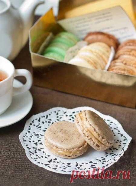 Пошаговый фото-рецепт пирожных макарон с чаем эрл грей и соленой карамелью.