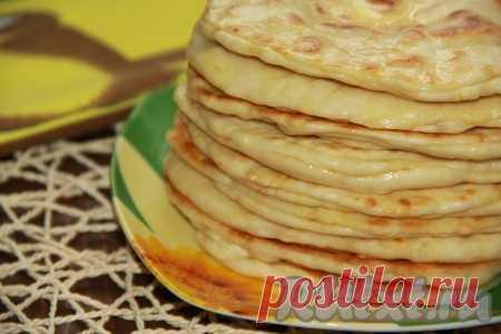 Хачапури с сыром по-быстрому - очень вкусные, с тянущейся начинкой, нежные и сытные!