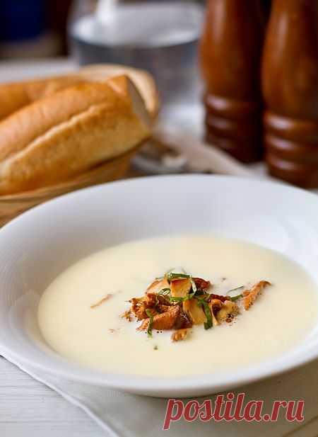 Чесночный крем-суп с лисичками | Вкусный блог - рецепты под настроение
