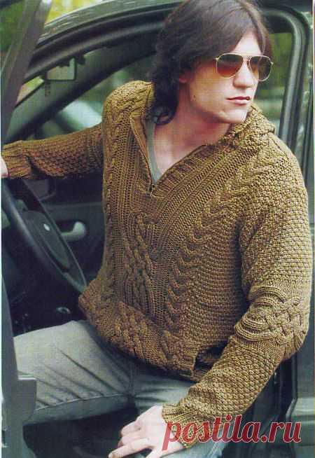 Пуловер мужской из аранских жгутов.