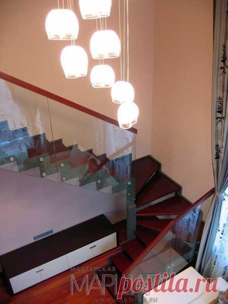 Изготовление лестниц, ограждений, перил Маршаг – Ограждения из стекла для деревянной лестницы