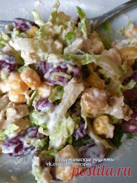 Салат с красной фасолью, курицей и сухариками / Основы бизнеса