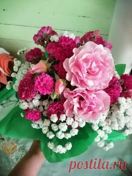 Вот такой букетик вышел из моих цветочков!) 🌹😍