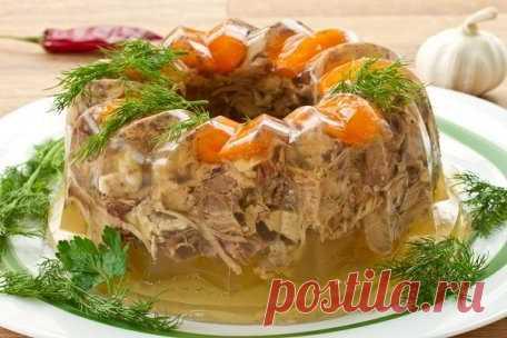 Новогоднее мясное заливное: рецепты
