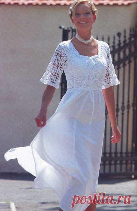 Комбинированное платье крючком из мотивов «Розетки» (крючок+ткань)