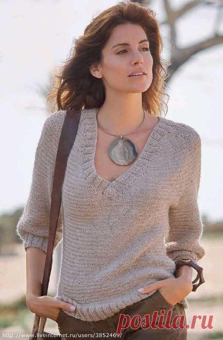 Пуловер с V-образным вырезом с узором