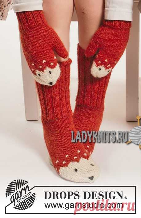 Вязаные спицами детские носки и варежки