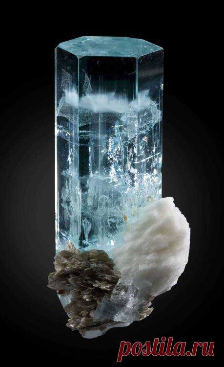 "huntingthenemesis: "" Aquamarine with Cleavelandite and Muscovite via /r/MineralPorn http://ift.tt/1wAN7Jf """