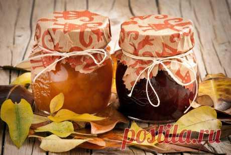 Яблочный мармелад, инжирный конфитюр и еще три рецепта сладких домашних заготовок на зиму.