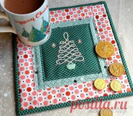 Подставка для кружки с новогодней вышивкой