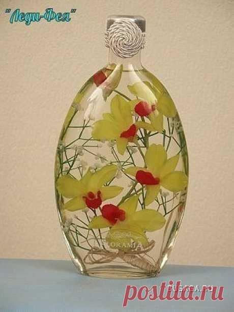Цветочный декор в бутылках при помощи глицерина