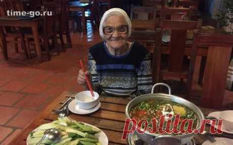 Соцсети ошарашила 89-летняя россиянка, колесящая на заначку от пенсии Интернет-пользователей очаровала супербабушка из Красноярска, которая, не взирая на преклонный возраст, ведет активный образ жизни и тратит все свои сбережения на путешествия.