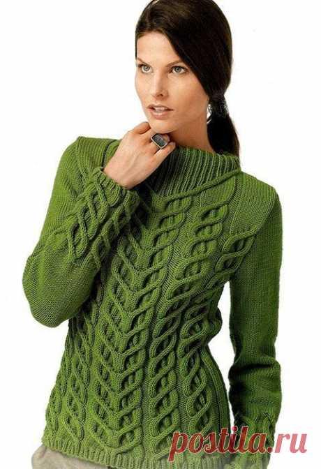 Пуловер с рельефным узором Предлагаем вашему вниманию очень красивый пуловер с рельефной вязкой, оригинальным воротом и ярким рисунком. Элегантная модель хорошо смотрится как с джинсами, так и со строгими брюками.