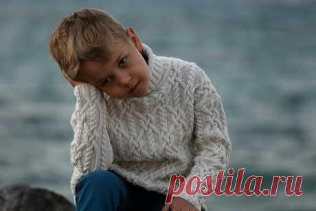 Детский свитер спицами. 4 модели для мальчиков из интернета с описанием   Модное вязание   Яндекс Дзен