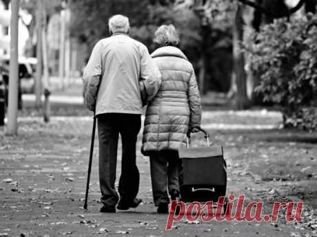 Россиянам будут платить за долгие браки - МК