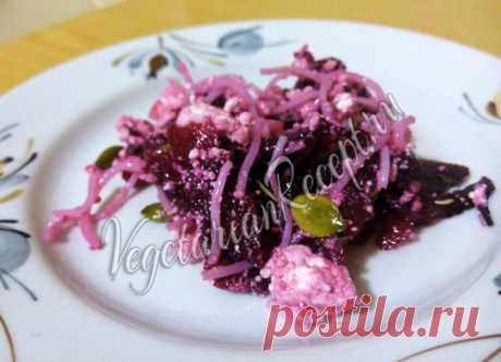 Салат с фунчозой, свеклой и творогом - рецепт с фото Полезный салат из свеклы, творога и фунчозы. Быстрый и простой рецепт.