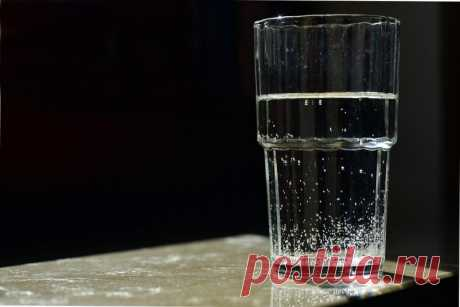 Стакан воды: невероятная техника на исполнение желания, результат почти мгновенный - SevastopolMedia Эзотерики раскрыли секрет, как добиться исполнения желания с помощью обычного стакана воды. Практики утверждают, что эффективность техники просто зашкаливает — в 90% случаев исполнение задуманного не заставит себя долго ждать.