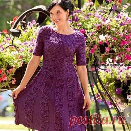 Женское платье с короткими рукавами  с расклешенным низом +описание