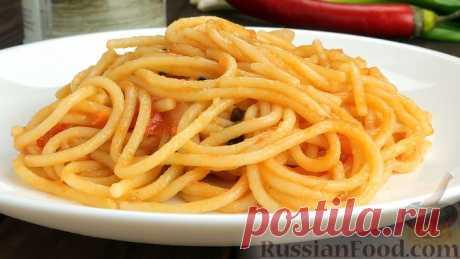 Спагетти с соусом в одной сковороде
