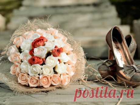 Кольцо, букет и туфли невесты - Обои для рабочего стола