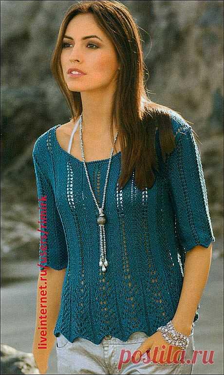 Пуловер с баской и ажурными полосами (спицы).