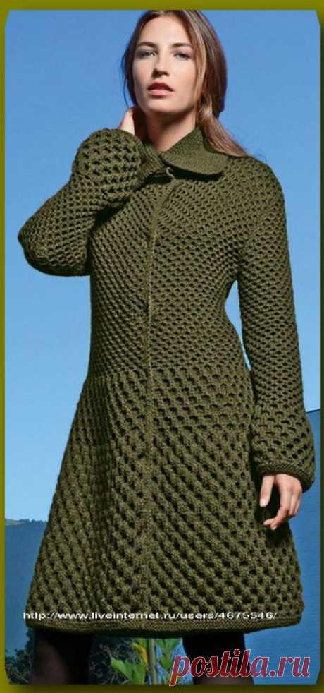 Оригинальное вязание спицами пальто