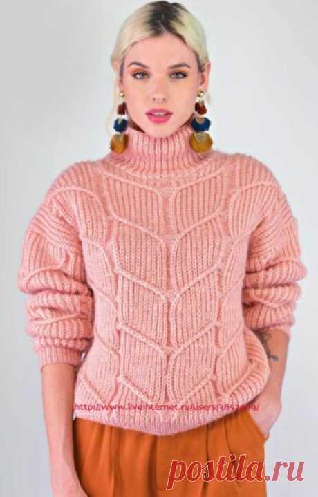 Пуловер бледно-розового цвета