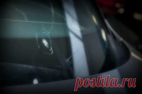 Инспектор ГИБДД выписывает штраф за трещину на лобовом стекле – как отбиться?   Юридическая консультация   Яндекс Дзен