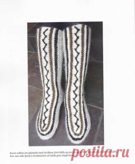 Традиционные домашние носки исландцы вяжут быстро и без затей - на двух спицах