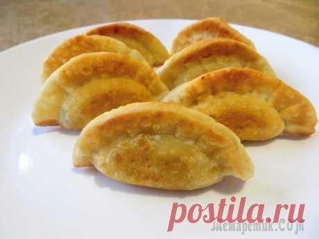 Манду - корейские пирожки Это надо готовить! Очень вкусно получилось, тесто отличное! А начинка, просто песня! Два вида мяса, тонкий привкус чеснока, сочность от грибов и лука! Обязательно попробуйте корейские пирожки - манду!...