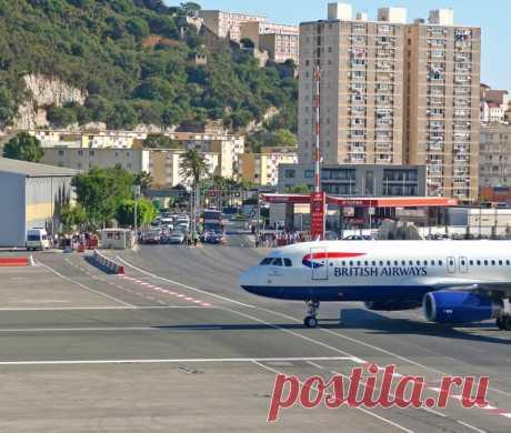 Фантастический аэропорт Гибралтара.