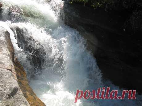 Водопад р. Фролиха.