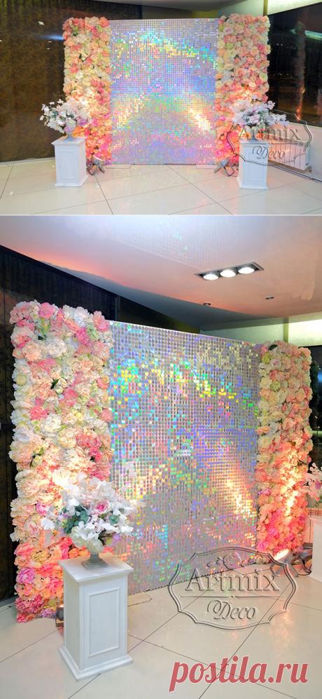 Свадебное оформление   Фотозона с динамичными пайетками и панно из цветов - Артмикс Декор
