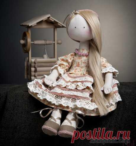 Как самой сшить куклу своими руками: выкройки, мастер класс Кукла может стать не только украшением для дома, но и любимой игрушкой для вашего ребенка. Данная статья рассказывает секреты пошива этого изделия и предлагает выкройки.Как самой сшить куклу своими ру...