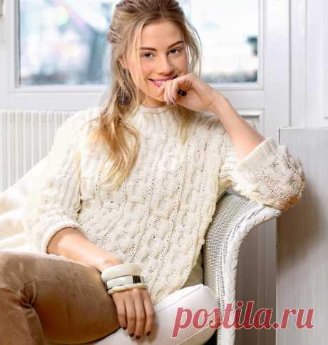 Красивый и нежный свитер с сотами Женственный и нежный свитер с оригинальной интерпретацией классического узора выглядит очень привлекательно.