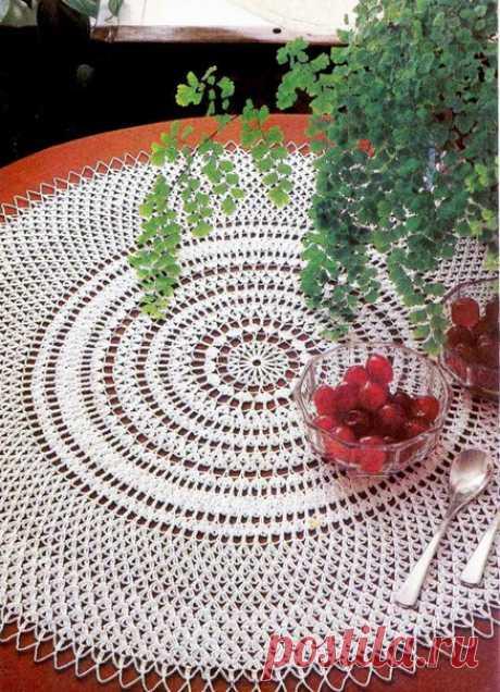 """Запись на стене 💚💚💚Салфетка """"Concentrics"""" by Teresa Masuet Curto.Диаметр - 54 см, крючок - 1,1 мм.🍂 Замечательная идея для столовой!#вязание #вязание_крючком #вязаные_салфетки #милые_вещи #салфетка #салфетка_Concentrics #салфетка_крючком #crochet_doily #схема_салфетки #tutorial #pattern #круглая_.."""