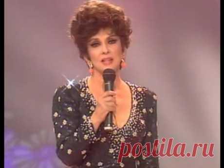 """Gina Lollobrigida - """"Bésame Mucho"""""""
