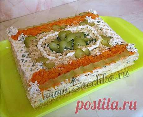 Закусочный «Наполеон» - рецепт с фото Закусочный торт «Наполеон» приготовлен с рыбными консервами, овощной начинкой и сыром.