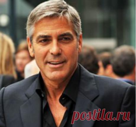 В Италии разбился легендарный голливудский актер Голливудский актер, режиссер Джордж Клуни попал в ДТП на итальянском острове Сардиния на своем мотоцикле, это произошело недалеко отеля Ollastu