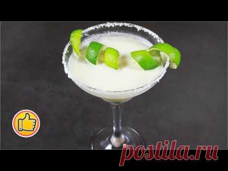 """Легкий в приготовлении безалкогольный коктейль """"Пина колада"""" прекрасно освежит в летний день и придаст заряд бодрости. Он с экзотическим вкусом, его можно давать детям. Это очень вкусно! Обязательно приготовьте и всем приятного аппетита!"""