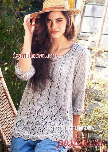Жемчужно-серый хлопковый пуловер с ажурным узором. Вязание спицами